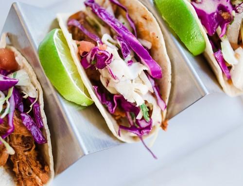 macayos-shredded-pork-taco